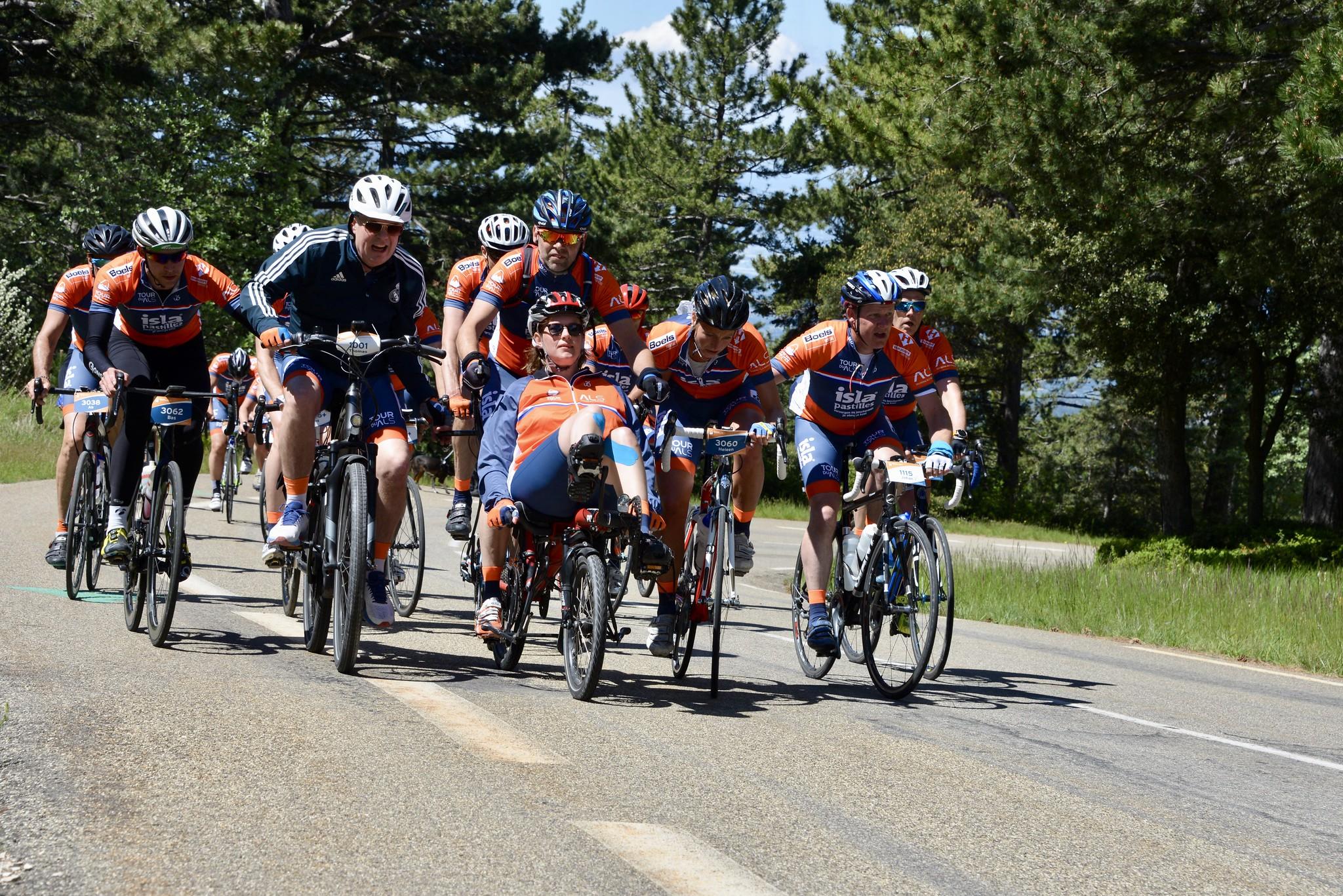 Team Marieke fietst naar de top met Thomas Acda als deelnemer
